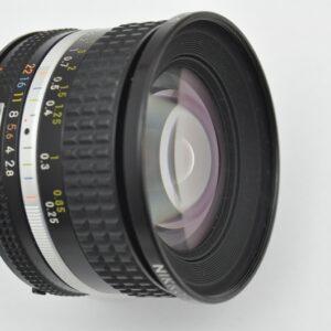 Nikon Nikkor 20mm 2.8 AIS Objektiv- Top Bildqualität - Zustand A herausragende Bildschärfe - überragende Verarbeitung - TOP