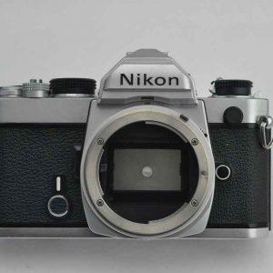 Nikon FM - Zustand A - rein mechanischer Schlitzverschluss - Besonderheit: auch non-AI Objektive sind nutzbar - TOP - Nikon FM