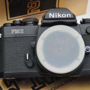 Nikon FM2 - rein mechanischer Schlitzverschluss - Zustand A/A+