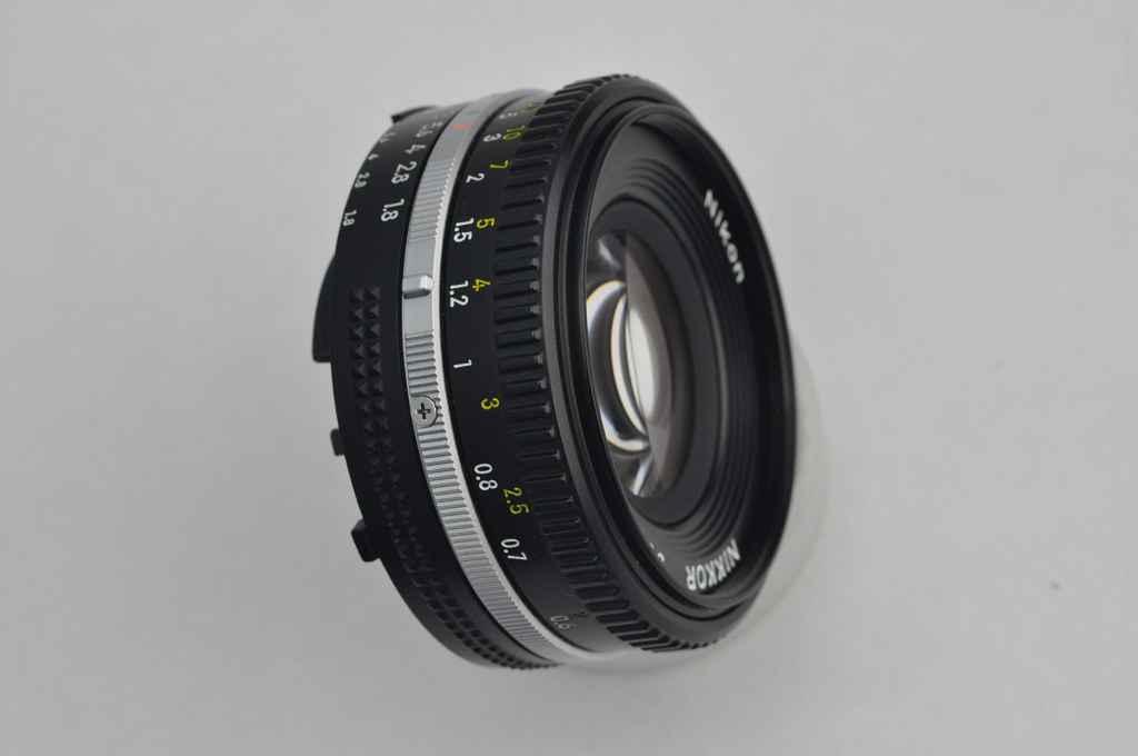 NIKKOR AIS 50mm f/1.8 contro MICRO NIKKOR 55mm f/3.5 pre Ai