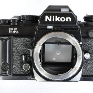 Nikon FA Schwarz - Multiautomat - Matrixmessung - elektronisches Highlight - minutenlange Langzeitbelichtung - Titanverschluss - Verkauf - nikonanalog