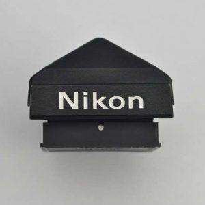 Der Standardprismensucher DE-1 für die Nikon F2 ist im Zustand A+