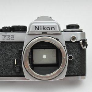 Nikon-FE2 mit Gebrauchsspuren - Zustand A-
