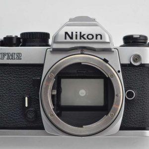 Nikon FM2 n - Zustand A mit Bedienungsanleitung TOP