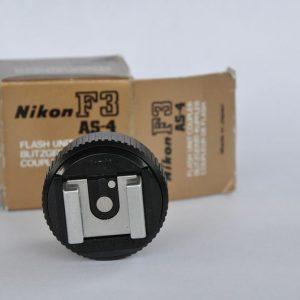 Blitzadapter AS-4 für die Nikon F3 - Zustand A geringe Gebrauchsspuren