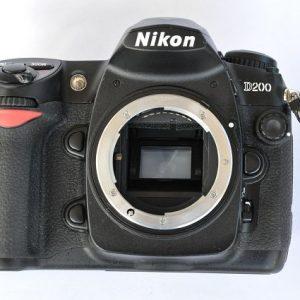 Nikon D-200 - nur 1747 Auslösungen