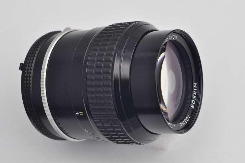Nikon Nikkor 105mm 2.5 AI Seriennummer 807437 Zustand A die Legende