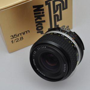 Nikon Nikkor 35mm 2.8 AIS hervorragende Schärfeleistung-hoher Kontrast