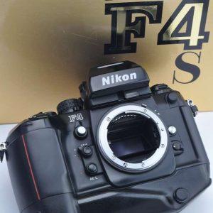 Nikon F4S Profikamera im Zustand A/A+ in OVP TOP