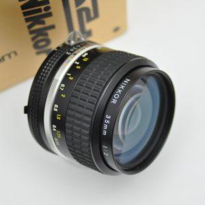 Nikon Nikkor 35mm 2.0 AIS Objektiv - TOP