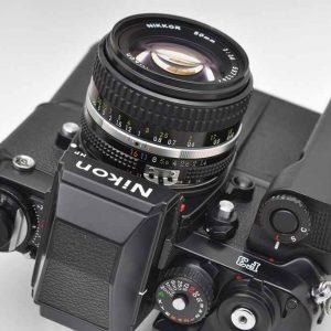 Nikon Kameraset F3HP aus den Komponenten Nikon F3HP + Motor MD-4 + Nikon Nikkor 50mm 1.4 AIS - TOP - liegt perfekt in der Hand