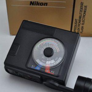 Nikon SB-17 Aufsteckblitz für F3/F3HP ist im Zustand A/A+