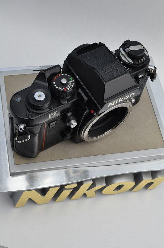 Nikon F3- TOP - Lichtdichtungen und Spiegeldämpfer perfekt