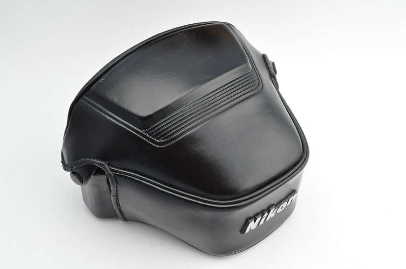 Bereitschaftstasche - CF-32 für Nikon FG-20 - sehr guter Zustand mit geringen Gebrauchsspuren - deshalb Zustand A/A+