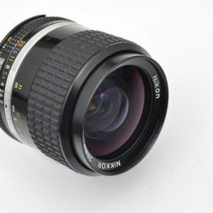 Nikon Nikkor 28mm 2.0 AIS Zustand A hervorragende Schärfeleistung