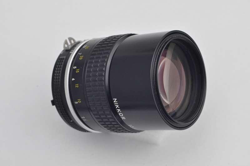 Nikon Nikkor 135mm 2.8 AI-selbst bei Offenblende superscharf-TOP