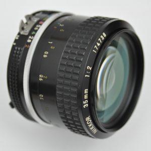 Nikon 35mm 1.2 AI - hervorragende Schärfeleistung und hoher Kontrast schon bei Blende 2.0