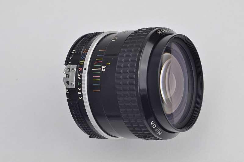 Nikon Nikkor 35mm 2.0 AI hervorragende Schärfeleistung-hoher Kontrast