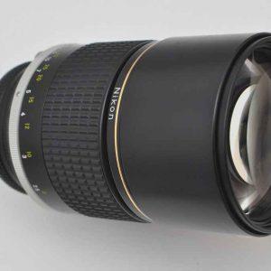 Nikon 180mm ED 2.8 AIS ist eines der schärfsten Objektive Tele-Bereich Zustand A/A+