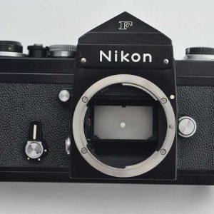 Nikon F - technisch perfekt und optisch im Zustand A