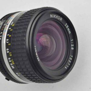 Nikon Nikkor 28mm 2.8 - AIS im Zustand A/A+ geringste Abnutzungsspuren - Nikons schärfstes manuelles Objektiv mit einer sagenhaften Naheinstellung von 0,2m