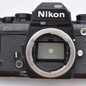 Nikon FA-schwarz - Multiautomat - Matrixmessung - elektronisches Highlight - minutenlange Langzeitbelichtung - Titanverschluss - TOP