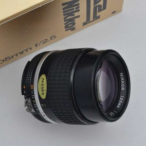 Nikon Nikkor 105mm 2.5 - AIS TOP Zustand A/A+ TOP Die Legende - Nikon Nikkor 105mm 2.5 - AIS TOP Zustand A/A+ TOP Die Legende herausragende Bildschärfe