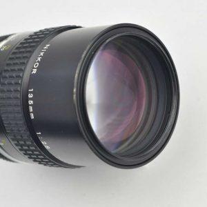 Nikon Nikkor 135mm 2.8 - AI - selbst bei Offenblende superscharf - so gut wie keine Verzeichnung - sehr geringe Chromatische Aberration - keine Vignettierung