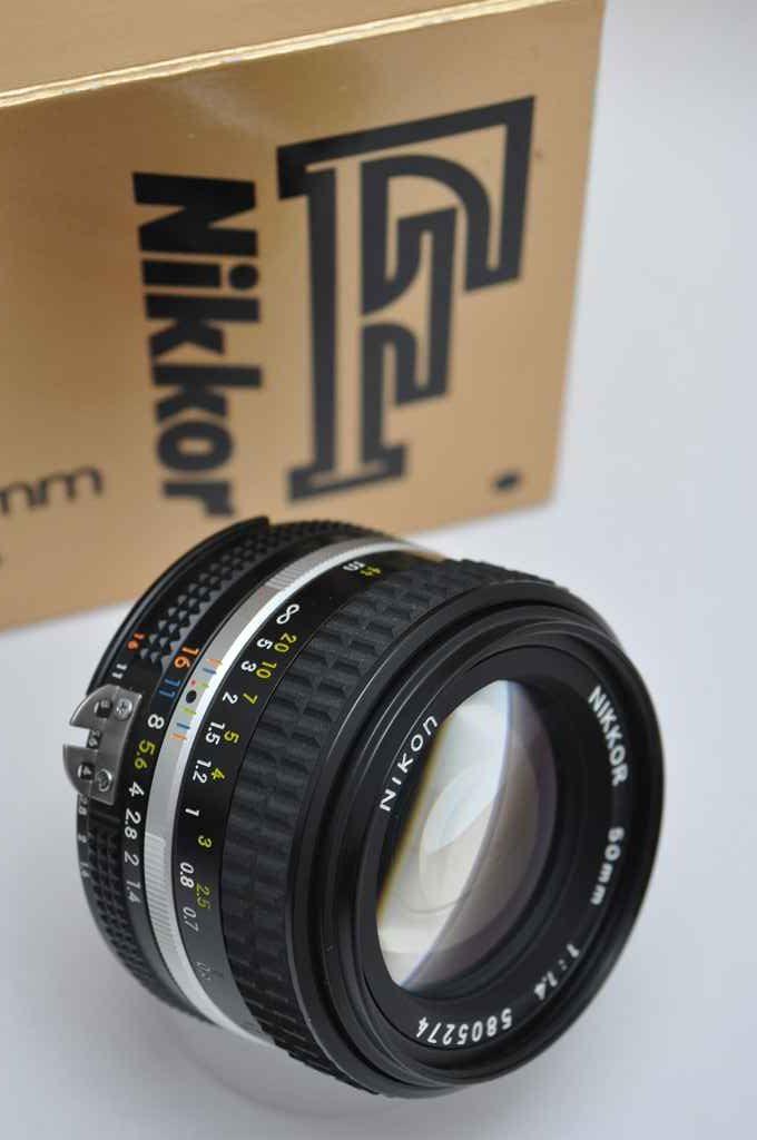 Nikon Nikkor 50mm 1.4 AIS in OVP Objektiv Zustand A/A+ hervorragende Bildqualität