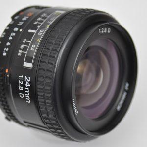 Nikon AF 24mm 2.8 D extrem scharfes Objektiv ohne Verzerrung