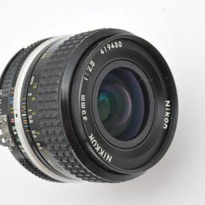 Nikon Nikkor 35mm 2.8 AI hervorragende Schärfeleistung und mit hohem Kontrast schon bei Blende 2.8