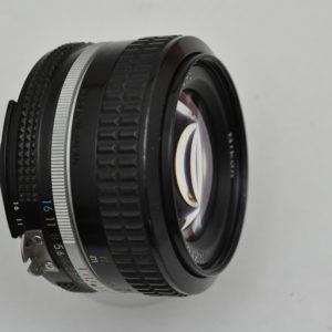 Nikkor 50mm 1.4 -AI- liefert schon bei offener Blende sehr scharfe und detailreiche Fotos