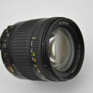 Nikon Zoom 28-200mm AF - G - allen Brennweitenbereichen im Zentrum schon ab Blende 3.5 extrem scharf, kontrastreich, mit guter Dynamik in den Farben