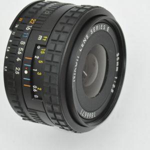 Nikon 35mm 2.5 AIS Serie E Objektiv kompakte Größe - geringes Gewicht