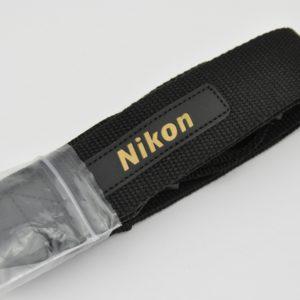 Nikon Schulterriemen schwarz mit Lederschriftzug