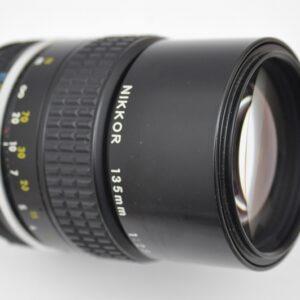 Nikon Nikkor 135mm 2.8 AI - selbst bei Offenblende superscharf-so gut wie keine Verzeichnung-geringste Chromatische Aberration